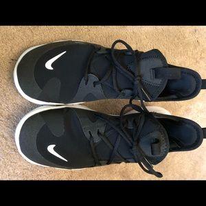 Boys Nike Free RN 5.0 size 6 NWT